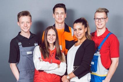 Gruppenfoto mit Lehrlingen