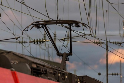 Picture of a pantograph on a locomotive