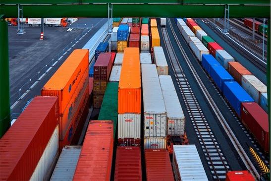 Terminal Wolfurt, Luftaufnahme Güterzüge mit Containern