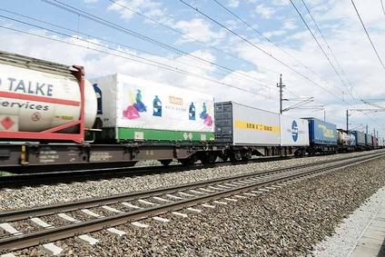 Güterzug auf der Strecke