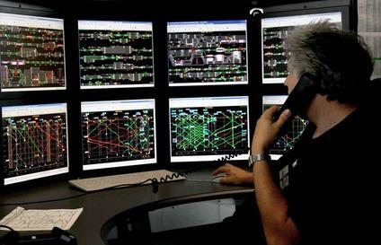 Monitore mit Fahrplandarstellung