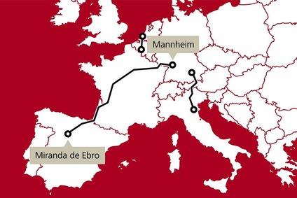 Europakarte in rot-weiss
