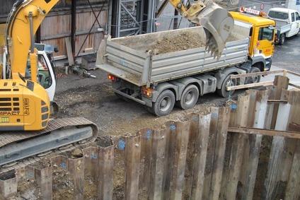 Baustelle bei einer Bahnanlage