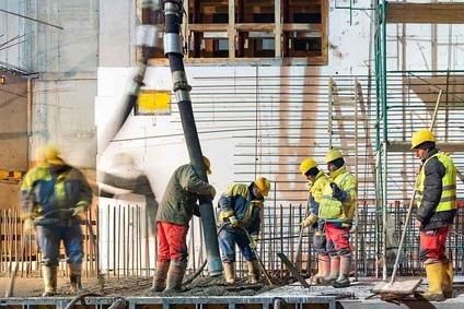 Betonarbeiten auf einer Baustelle