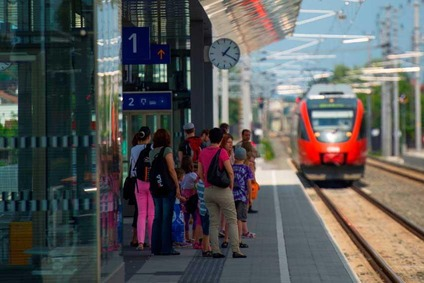 Bahnsteig am Bahnhof Lauterach