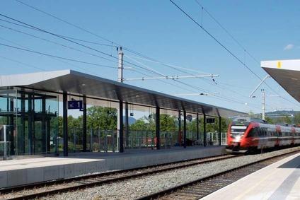 Blick auf den Bahnsteig in Dornbirn-Schoren