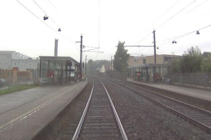 Die Haltestelle Hatlerdorf aus der Lok-Perspektive