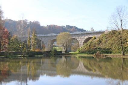 Brücke auf der Donauuferbahn