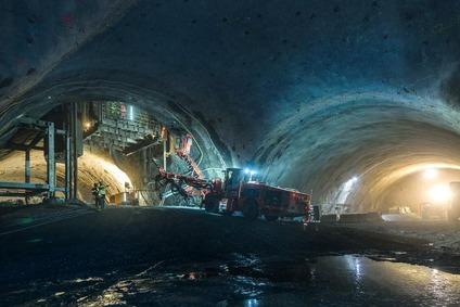 Construction work in the cavern in Fröschnitzgraben.