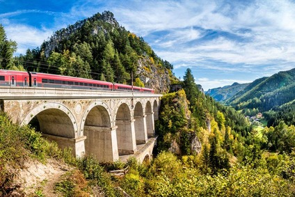 The existing Semmering Line goes over spectacular historical viaducts.
