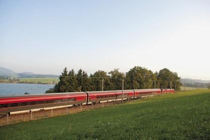 Railjet beim Wallersee