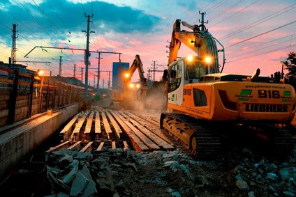 Abtrag der Brücke und Gleisarbeiten