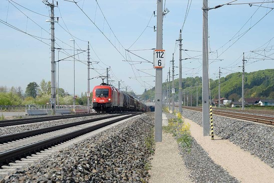Track extension between Ybbs and Amstetten