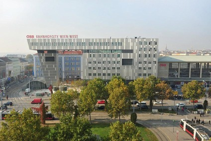 Blick auf die Bahnhof City Wien Westbahnhof