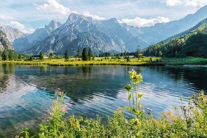 Berg und Seenlandschaft Grünau im Almtal, Blick auf Großer Priel im Salzkammergut
