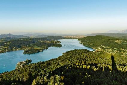 Blick über den Wörthersee, vom Pyramidenkogel nach Klagenfurt