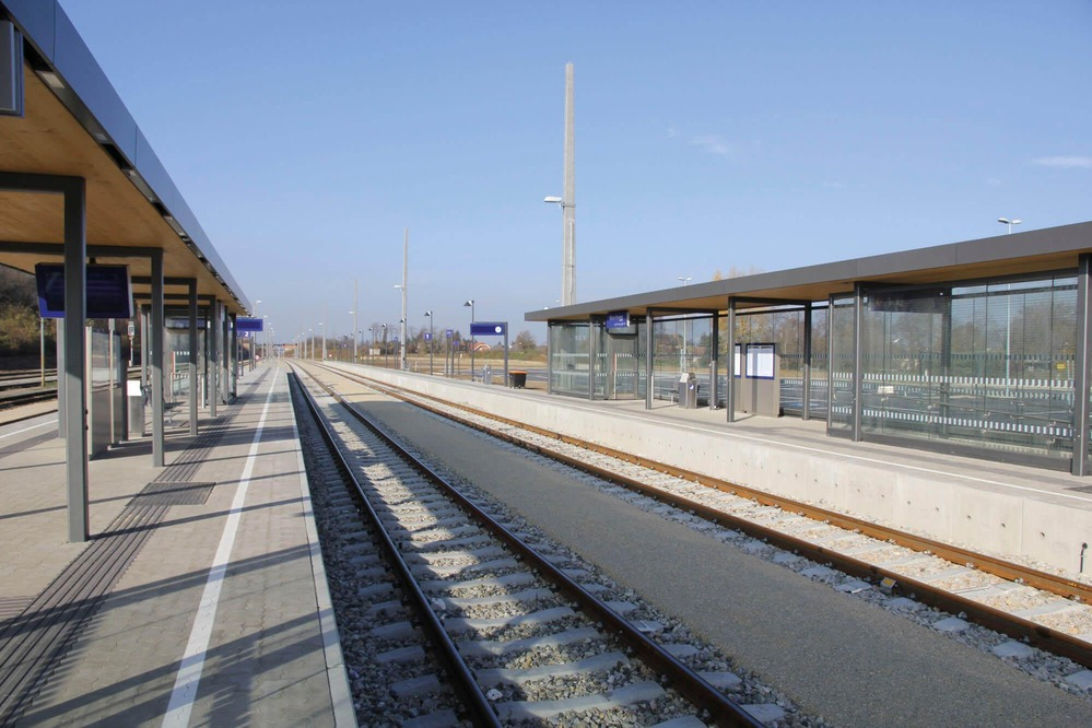 On the photo you can see the double-track station Marchegg.