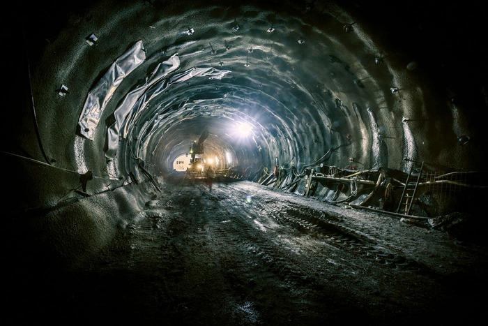 Auf diesem Foto ist die Innenwand einer Tunnelröhre zu sehen.