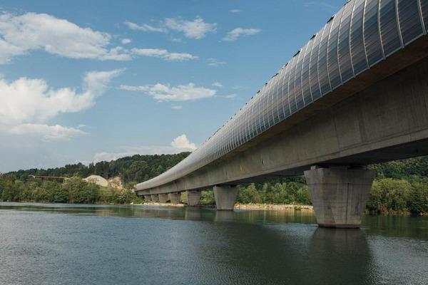 This picture shows a bridge.