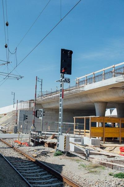 Construction of a railroad bridge