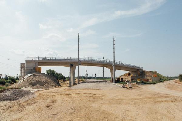 Construction of an overpass