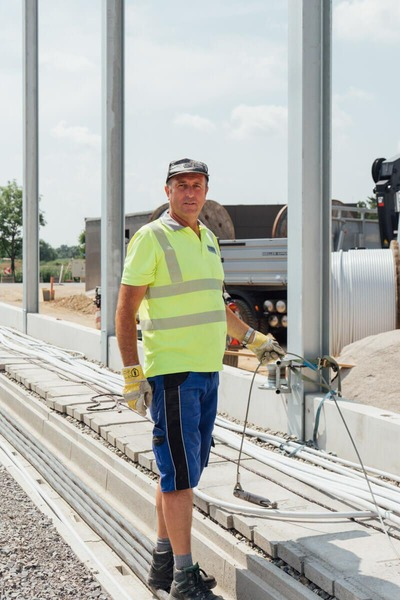 Construction worker works on the new rail network