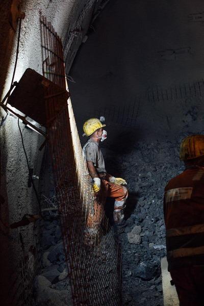Bauarbeiter warten auf weitere Anweisungen
