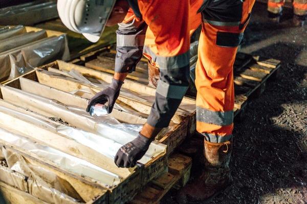 Bauarbeiter sortiert