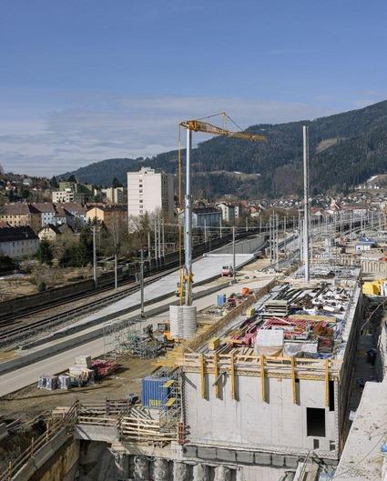 Baustelle im Bereich Tunnelportal Mürzzuschlag