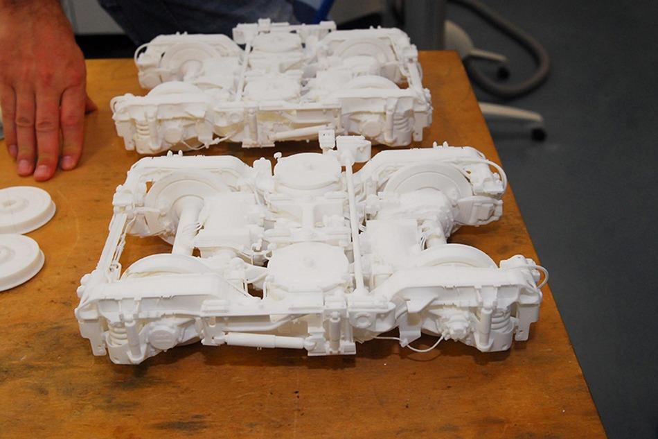 3D-Drucker produzieren heutzutage selbst äußerst komplexe Teile. Wie zum Beispiel dieses Modell eines Triebdrehgestells der Cityjet-Züge, hergestellt von der Fa. FOTEC.
