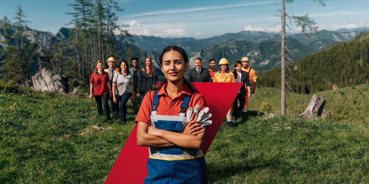 Gruppenfoto von MitarbeiterInnen im Grünen