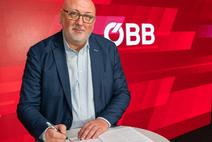 CEO Matthä unterschreibt