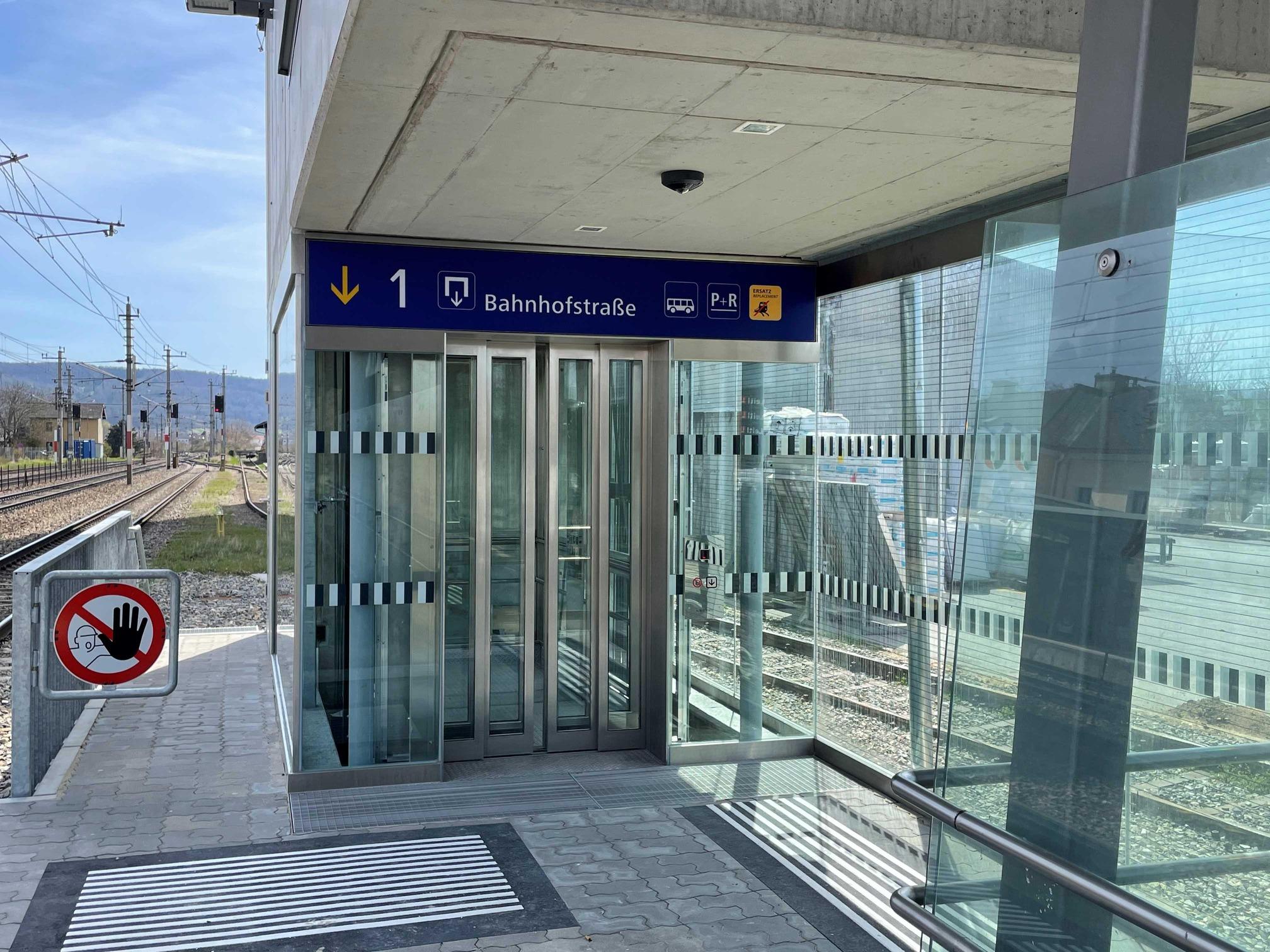 Lift am Bahnhof Böheimkirchen
