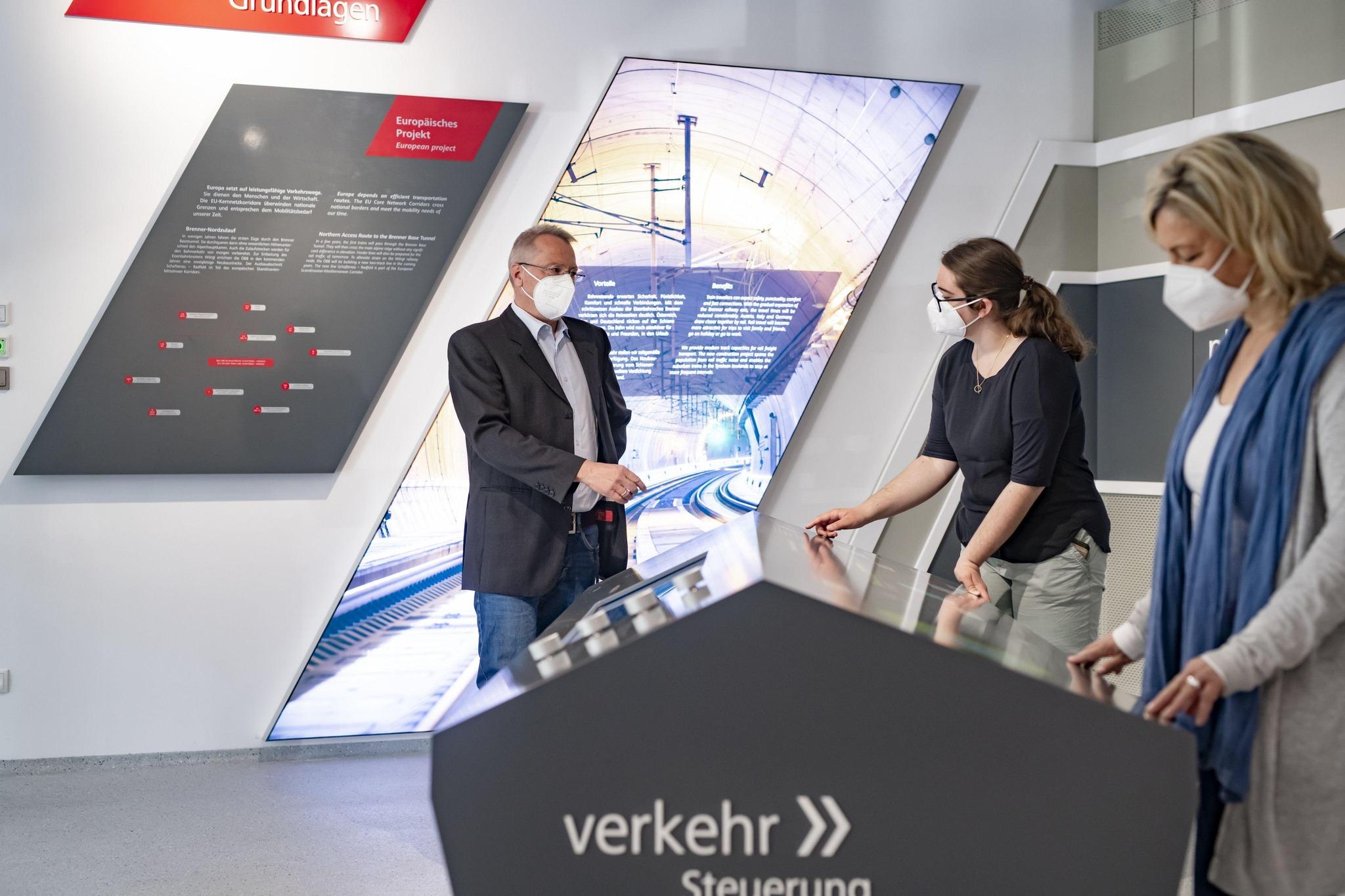 Ab 3. Mai können sich Interessierte am neu geschaffenen Erlebnisbahnsteig am Hauptbahnhof in Wörgl über die Planungsdetails des Großprojektes informieren