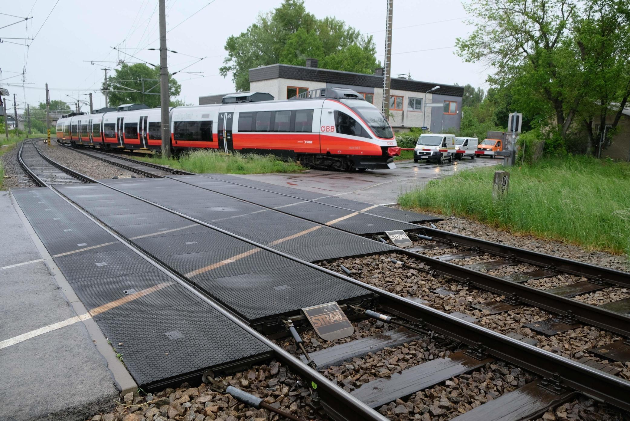 Neue Eisenbahnkreuzung Brigittenauer Sporn