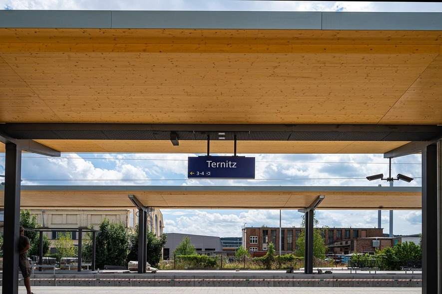 Bf. Ternitz - neue Bahnsteigdächer
