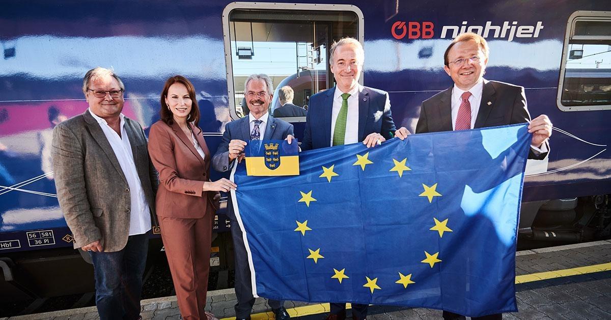 """ÖBB: Rekordzug """"Connecting Europe Express"""" zu Gast in St. Pölten"""