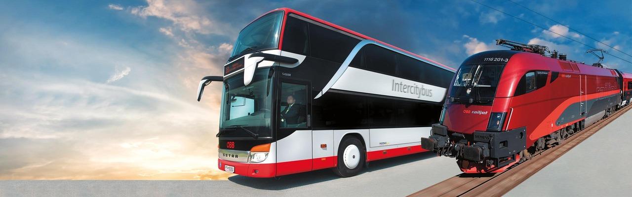 Intercitybus und Railjet Fotomontage