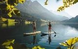 2 Stand-up-paddler am Hintersteiner See
