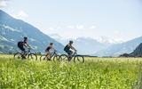3 Radfahrer in der Region Zillertal