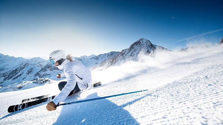 Skifahrerin am Stubaier Gletscher