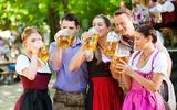 München Oktoberfest gezellige groep