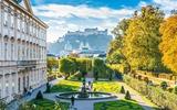 Salisburgo Mirabell giardino con vista sul castello