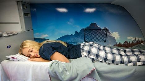 Mädchen im Schlafwagen
