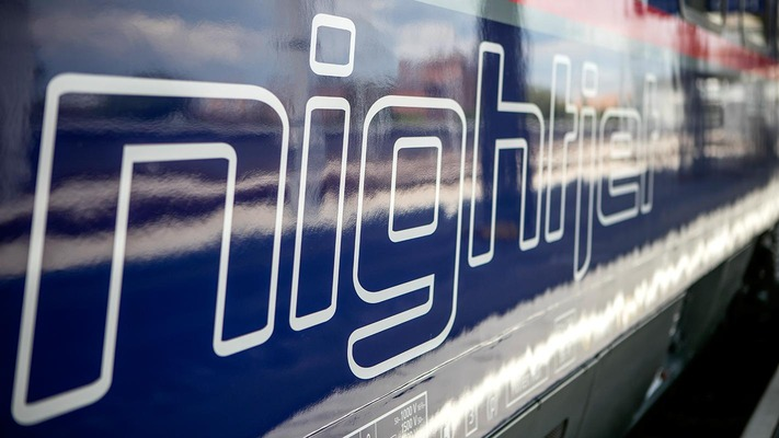Nightjet sleeper with focus on logo