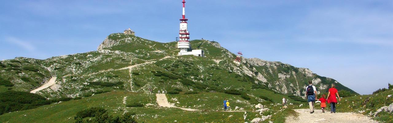 Dobratsch, Wanderer kurz vor dem Gipfel