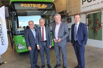 Postbus Mitarbeiter in der Leitstelle Graz