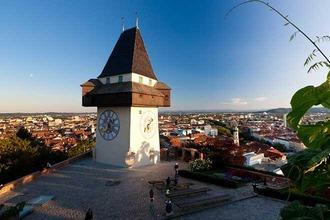 Uhrturm Graz mit Blick über die Stadt