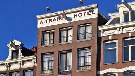 A-Train-Hotel Amsterdam Außenansicht