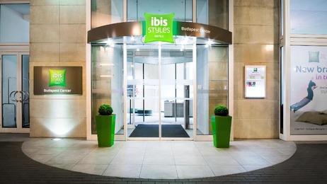 Eingangsbereich des Ibis Styles Budapest Center